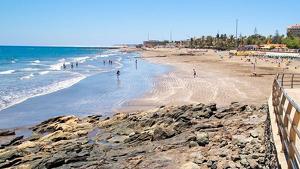 El hombre ha sido hallado en aguas de la playa de San Agustín