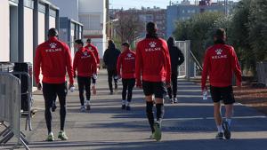 Els jugadors del CF Reus que s'han quedat a l'entrenament.