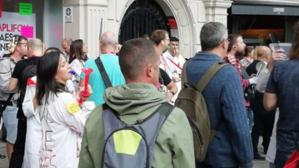 Els treballadors de la fàbrica Microson s'han manifestat a Barcelona per reclamar un augment de les indemnitzacions