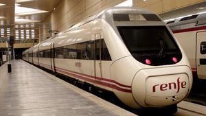 Imagen de archivo de un tren Alvia.