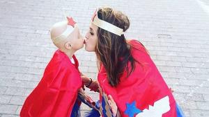 Imagen de Melania con su hija