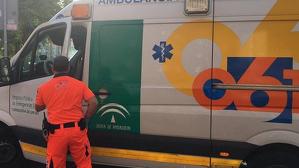 Imagen de una ambulancia del 061 de la Junta de Andalucía