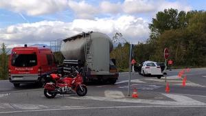Imagen del accidente entre un coche y un camión