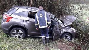 Imagen del vehículo accidentado en Nava