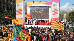 Imatge de la manifestació de Societat Civil Catalana a l'estació de França