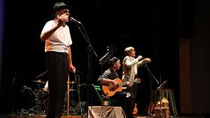 Imatge de Quico el Célio, el Noi i el Mut de Ferreries en l'estrena dels nou disc i l'espectacle 'Viatge a Buda', a Tortosa