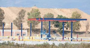 Imatge del nou peatge en construcció a l'AP-7 al terme municipal de Vila-seca.