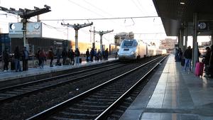 Imatge d'un tren Euromed, entrant a l'Estació de Tarargona