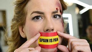 Jil Love llevaba el eslogan: «España es dolor»