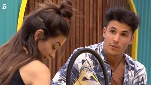 Kiko le cuenta a Estela cómo conoció a Sofía
