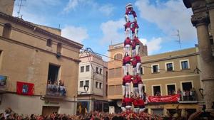La Colla Joves Xiquets de Valls va descarregar el 4de9 sense folre a la diada de Santa Teresa 2018
