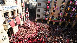 La Colla Vella dels Xiquets de Valls ha descarregat el 4 de 9 sense folre.