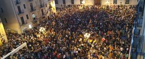 La Plaça de la Font s'ha desbordat amb més de 10.000 persones