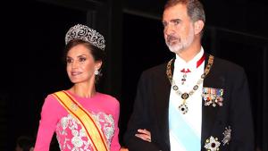 La reina Letizia con don Felipe en Japón