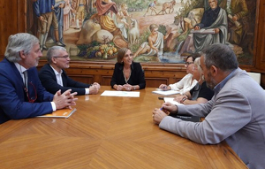 La trobada es va dur a terme a la Casa de la Vila vallenca
