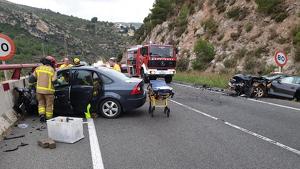 L'accident a La Riba ha deixat dues persones ferides amb pronòstic greu, i altres tres lleus