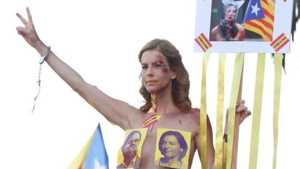 L'activista tarragonina Jill Love, durant la manifestació d'aquest dissabte, 26 d'octubre, a Barcelona.