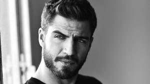 L'actor espanyol Maxi Iglesias es troba gravant la nova sèrie de Netflix a Salou.