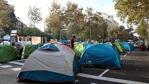 L'Ajuntament de Barcelona activa la mediació policial per acabar amb els talls de plaça Universitat