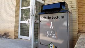 L'entrada a la Sala de Lectura de Coma-ruga.