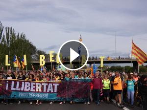 Les millors imatges de la Marxa per la Llibertat al seu pas per Bellaterra