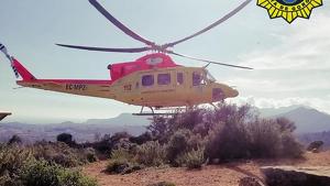 L'helicòpter de la Diputació d'Alacant va traslladar l'excursionista a un centre hospitalari de Benidorm