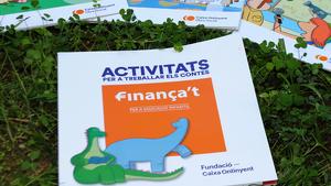 Llibrets escolars del programa 'Finança't' de la Fundació Caixa Ontinyent