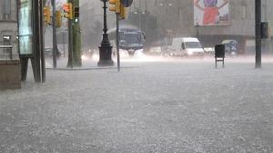Los diluvios vuelven al centro del país, como Madrid, este viernes y el sábado en Cataluña