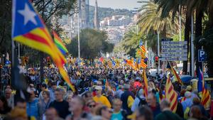 Milers de persones s'han sumat a la gran manifestació d'aquest dissabte a Barcelona