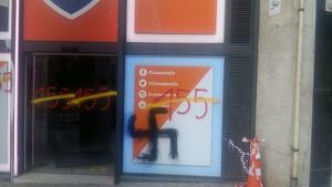 Pintades a la seu de C's a Barcelona