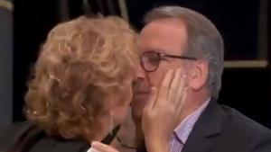 Rahola i Cuní  a punt de besar-se