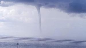 Tromba marina vista des de Playa Bolonia, Tarifa