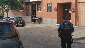 Un hombre armado retiene contra su voluntad a una mujer en un piso de Leganés