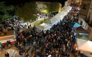 Un públic molt nombrós va omplirel recinte firal situat a la plaça i el carrer Castell