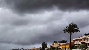 Vuelven las nubes gruesas y las lluvias, de carácter débil, en el litoral sur peninsular