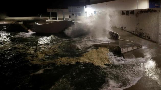 Imagen de los primeros efectos del huracán Lorenzo en las Azores