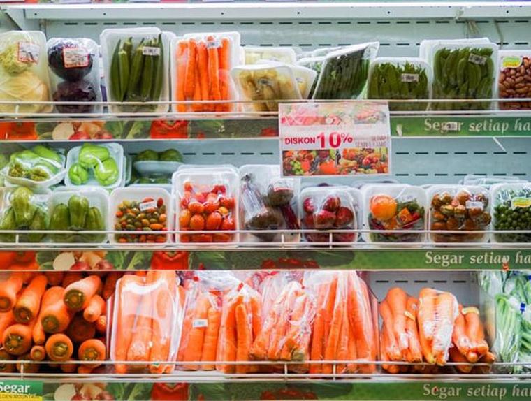 La majoria dels aliments que comprem a les botigues estan sobreempaquetats de plàstic