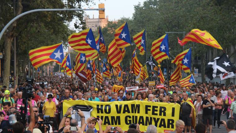 Manifestació pel segon aniversari de l'1-O a Barcelona