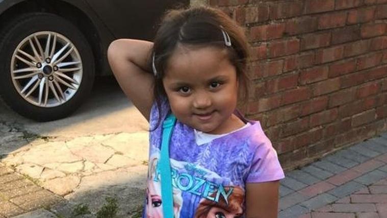 Tafida Raqeeb, de 5 anys, pateix danys cerebrals i està amb suport vital