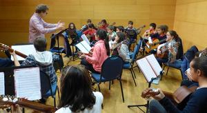 Alumnes del Conservatori de Vila-seca, durant un concert.