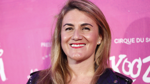 Carlota Corredera posando para los medios