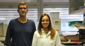 Daniel Sanchis i Aida Beà, al laboratori