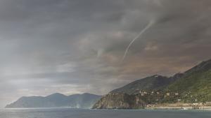 Dos trombas marinas aparecieron por sorpresa frente el puerto de Génova ayer jueves