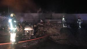 El foc ha cremat l'exterior de la planta de residus