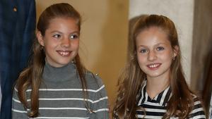 El look completo de la princesa Leonor y la infanta Sofía