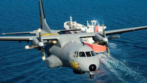 El nadó ha hagut de ser traslladat en un avió militar