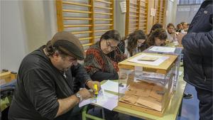 Eleccions a Can Tusell, Avel·lí Estrenjer, Cavall Bernat, Abat Marcet i Les Arenes