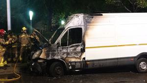 Els Bombers han extingit el foc en una furgoneta al barri de Campclar
