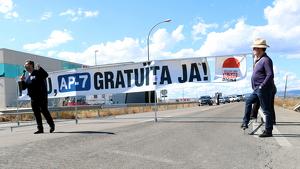 Els manifestants rebutgen la vinyeta per finançar el manteniment de les autopistes