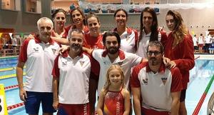 Els participants al VI Open Combo Màsters de natació